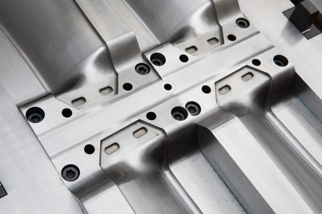 Fan blades tool 1